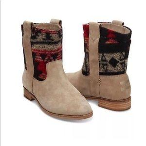 Toms 8.5 Laurel Suede Booties Tribal Wool Desert